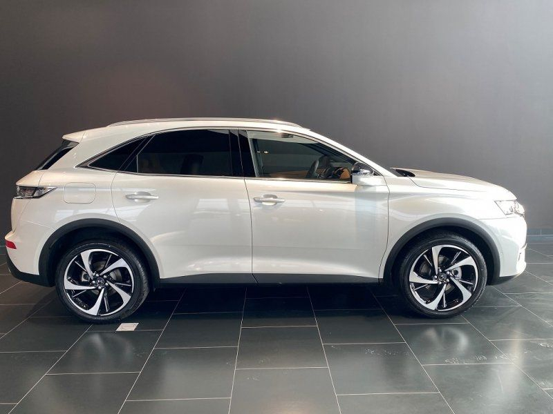 Photo 1 de l'offre de DS DS 7 CROSSBACK PURETECH 225CH GRAND CHIC AUTOMATIQUE 13CV à 53000€ chez YM Automobiles