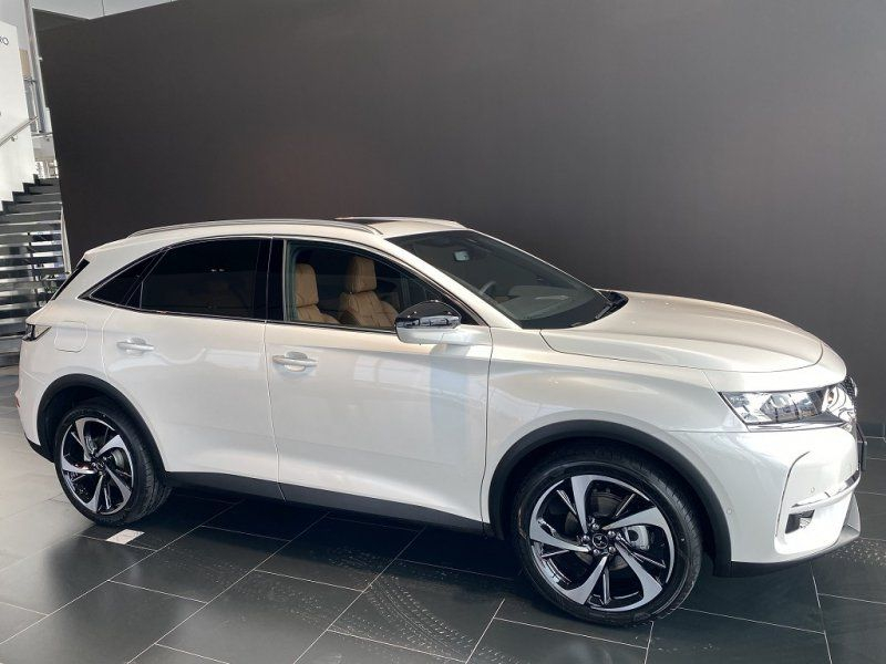 Photo 5 de l'offre de DS DS 7 CROSSBACK PURETECH 225CH GRAND CHIC AUTOMATIQUE 13CV à 53000€ chez YM Automobiles